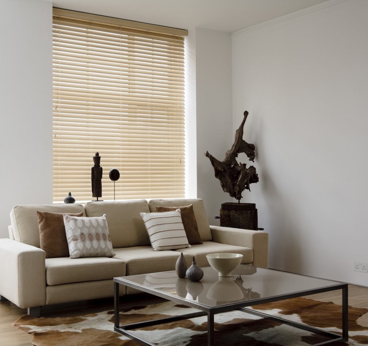 Decora 50mm Motorised Wooden Venetian Blind